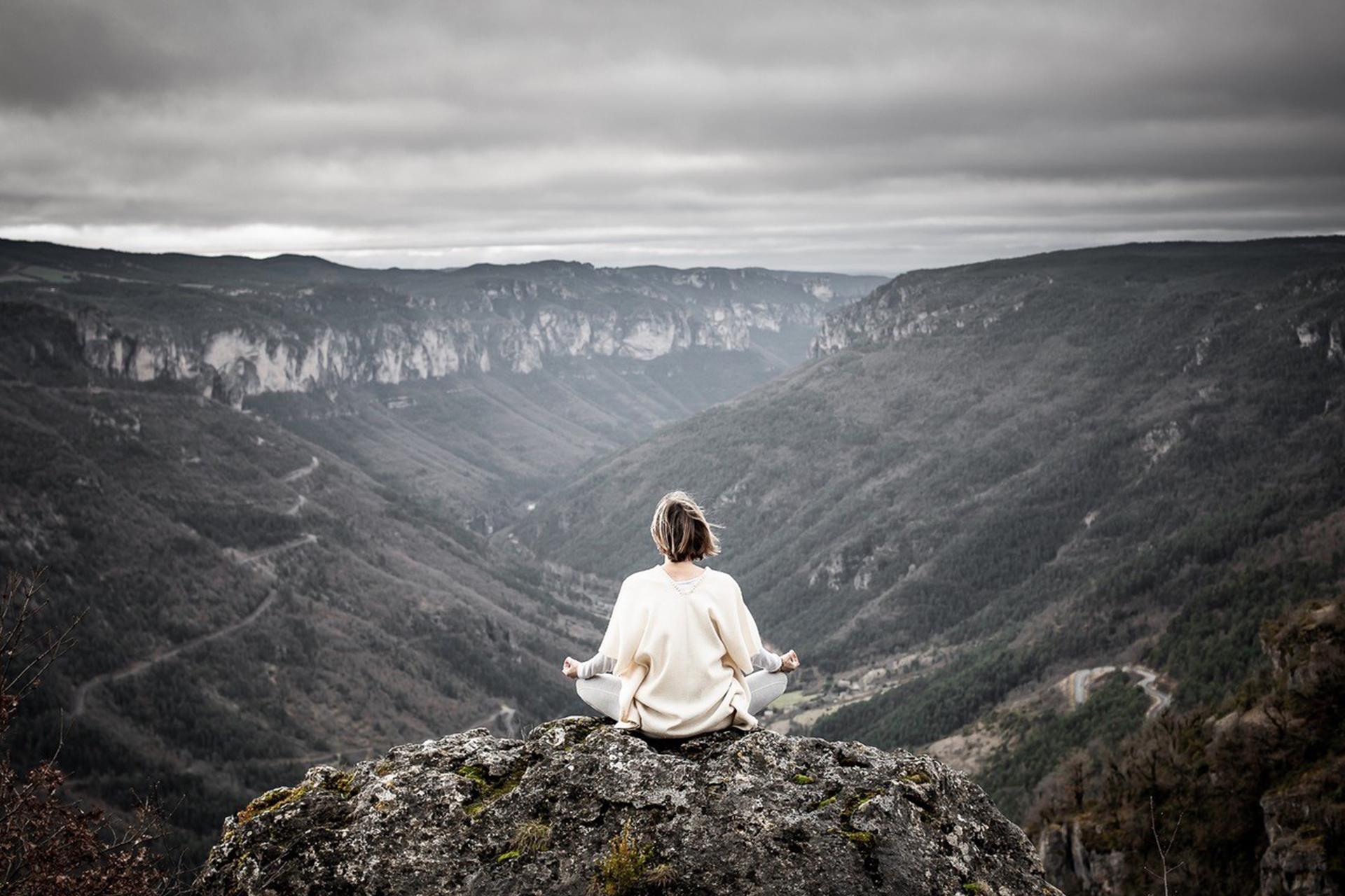 Retraite yoga en France Ecolodge Almières Lozère